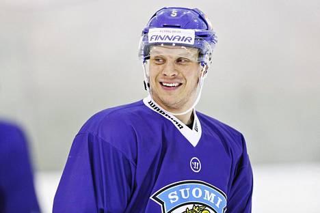 Lasse Kukkonen käy kotimaassa tutkimuksissa kesken MM-kisojen.