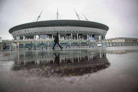 Pietarin Krestovskin stadionilla on tarkoitus pelata jalkapallon EM-kisoja.