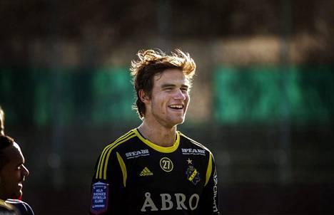 Elämä hymyili ja peli sujui Tukholman kupeessa AIK:ssa kaudella 2014.