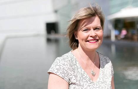 Kansanedustaja Sari Tanus pyrkii kristillisdemokraattien puheenjohtajaksi. Puheenjohtaja valitaan Savonlinnassa 28. elokuuta.