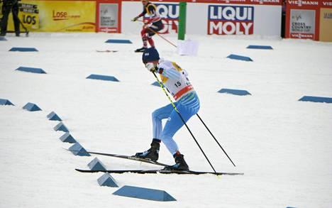 Matti Heikkinen ja Martin Johnsrud Sundby lähtivät väärälle reitille kesken yhdistelmäkilpailun.