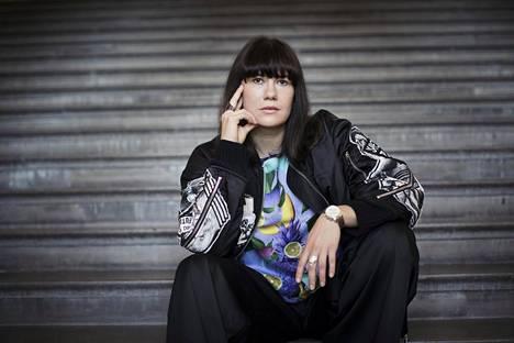Ohjaaja ja näyttelijä Heidi Lindénistä on tullut suomalaisen #metoon kasvot.