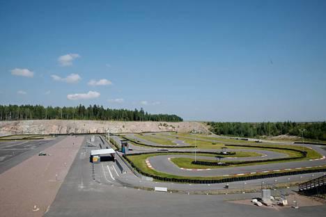 Kartingradalla on ollut hiljaista. Ensimmäisessä isossa kisassa viime vuonna Jyrki Järvilehto ajoi ulos.