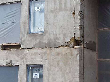 Espoossa rakenteilla olevan kerrostalon elementistä puuttuu eristeitä.