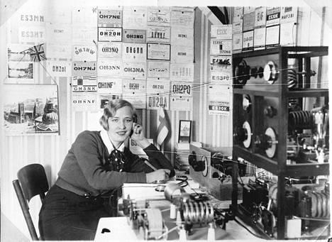 Museoesineen tarina: Radioamatööreistä ja tekniikasta. Tekniikan museo.