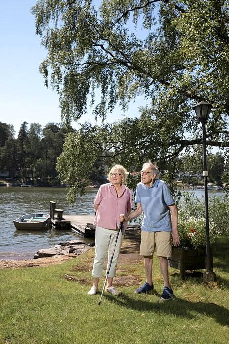 Iris ja Ulf Hagert ovat asuneet Vartiosaaressa vuosikymmenien ajan.