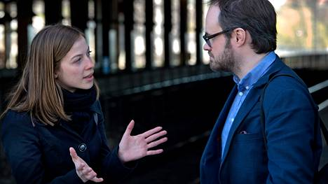 Markkinatalousmyönteisyys erottaa Li Anderssonin ja Tuomas Enbusken mielipiteitä. Eurooppanuoret nimeää tänään Enbusken Vuoden nuoreksi eurooppalaiseksi. Järjestö kiittelee häntä Eurooppa-keskustelun edistämisestä.
