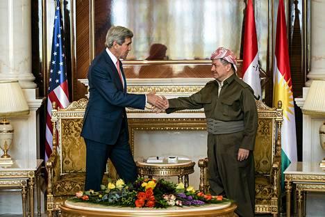 Yhdysvaltain ulkoministeri John Kerry tapasi Irakin kurdien itsehallintoalueen presidentin Masud Barzanin tiistaina Erbilissä.