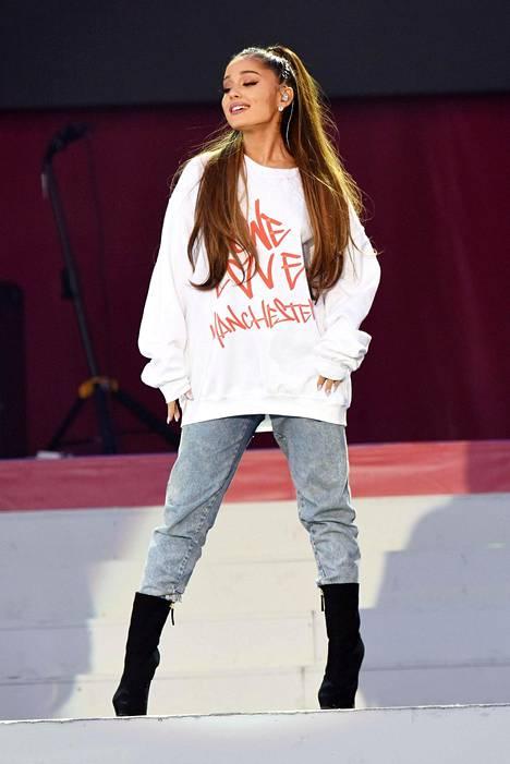 Ariana Grande konsertoi toistamiseen Manchesterissa 4.6.