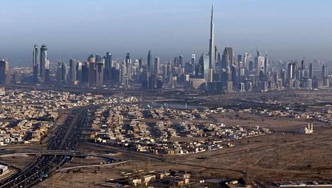 Dubain keskustan ylimmäksi nouseva rakennus Burj Kalifa on maailman korkein rakennus, toistaiseksi.
