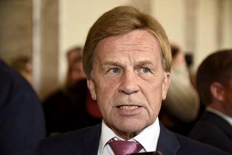 Eduskunnan varapuhemies Mauri Pekkarinen (kesk) johtaa yritystukityöryhmää.