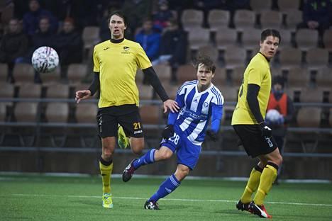 HJK:n Saku Ylätupa (kesk.) Suomen cupin ottelussa FC Honkaa vastaan.