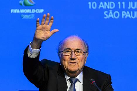 Fifan puheenjohtaja Sepp Blatter järjestön kokouksessa Sao Paulossa keskiviikkona.