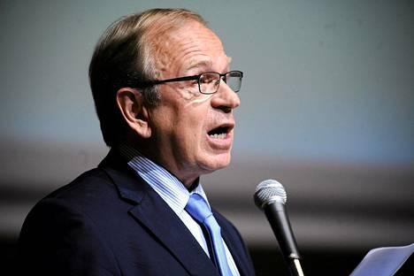 Suomen Pankin pääjohtaja Erkki Liikanen ennustaa vielä viittä vuotta talouskriisiä.