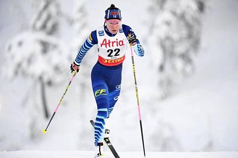 Kerttu Niskanen sijoittui marraskuun lopulla Rukan maailmancupissa 10 km:llä (p) kuudenneksi ja oli selvästi paras suomalainen.
