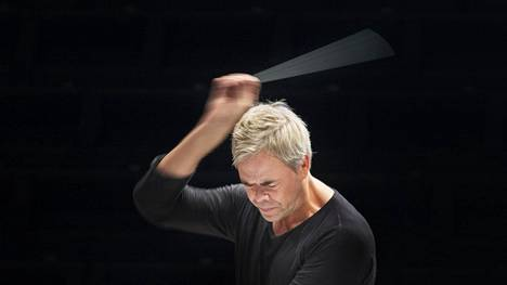 Kapellimestari Hannu Lintu kuvattuna elokuussa 2017.