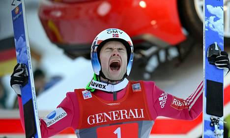Norjan Anders Jacobsen otti ilon irti Garmischin ykköstilastaan.