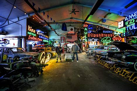 Autokerho Kerma CC:n tiloissa on kuvattu esimerkiksi Veikkauksen ja Tanssii tähtien kanssa -kilpailun mainoksia.