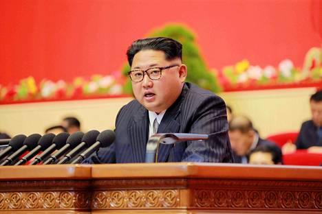 Pohjois-Korean johtaja Kim Jong-un puhui hallitsevan puolueen puoluekokouksessa lauantaina.