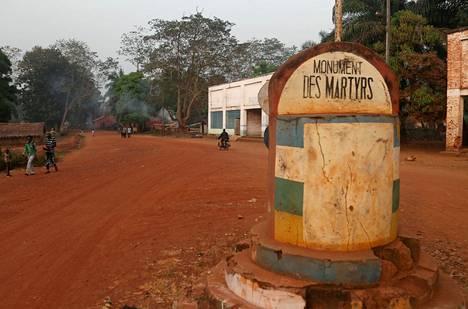 Marttyyrien muistomerkki Bangassoussa kuvattuna viime joulukuussa.
