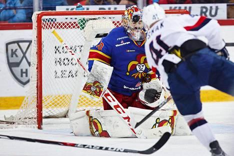 Ryan Zapolski pelasi Jokerien maalissa 8. joulukuuta Bratislavaa vastaan.