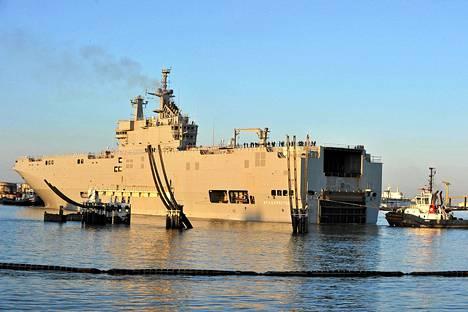 Mistral-luokan alus Vladivostok kuvattiin Ranskan Saint-Nazairessa lähdössä ensimmäiselle koepurjehdukselleen viime keväänä.