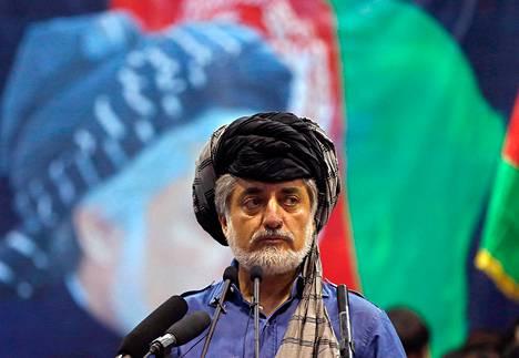 Afganistanin presidentiksi julistautunut Abdullah Abdullah puhui Kabulissa tiistaina.
