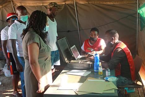 Namibian alue- ja paikallisvaalit käytiin viime viikolla. Kuva äänestyspaikalta pääkaupunki Windhoekista 25. marraskuuta.