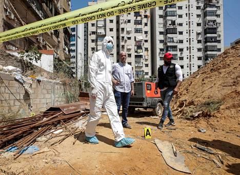 Libanonin sotilastiedustelun tutkijat työskentelivät sunnuntaina Hizbollah-järjestön mediakeskuksen liepeillä Etelä-Beirutissa, johon Israelin väitetään iskeneen.