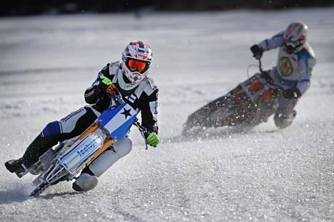 Mikko Jetsosen harjoitteluradalla käy myös muita ajajia harjoittelemassa.