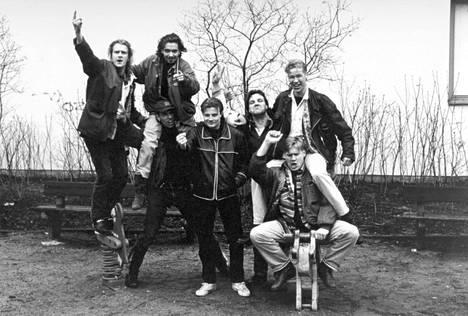 Vintiöissä esiintyivät Santeri Kinnunen (vas.), Janus Hanski, Jussi Chydenius, Kari Hietalahti, Juha Veijonen, Niko Saarela ja Samuli Edelmann.