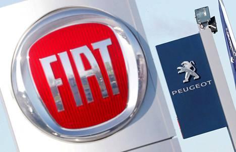 Fiatin ja Peugeotin logot.