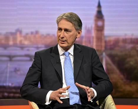 Britannian puolustusministeri Hammond kertoi Afganistan-joukkojen vähentämisestä televisiohaastattelussa.