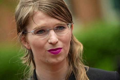 Chelsea Manning puhui lehdistölle ennen Wikileaks oikeudenkäyntiä Virginiassa, Yhdysvalloissa 16. toukokuuta 2019.