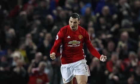 Zlatan Ibrahimovicin edustama ManU on liikevaihdoltaan suurin jalkapalloseura.