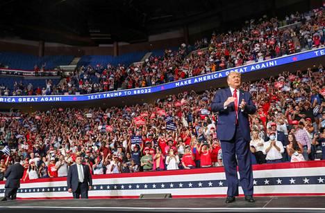 Donald Trump piti kampanjatilaisuuden Oklahoman Tulsassa kesäkuussa. Paikalle saapui vain 6 200 ihmistä, kun Trumpin kampanjaväki valmistautui jopa miljoonan ihmisen tulvaan.