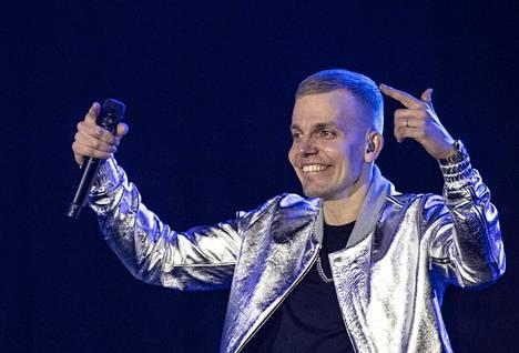 Elastinen esiintyi viime vuoden huhtikuussa Suomilove-konsertissa Hartwall-areenalla.