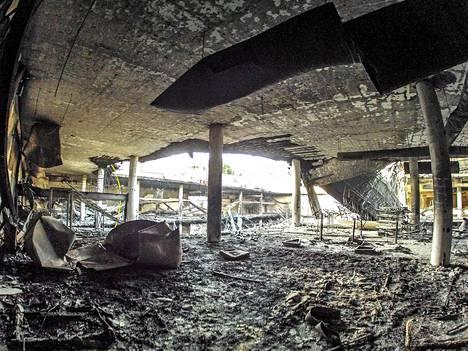 Westgaten ostoskeskuksen romahtanut katto 21. syyskuuta Nairobissa.
