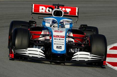Nicholas Latifi testasi Williamsin F1-autoa Barcelonan radalla helmikuussa.