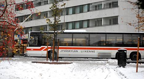 Jyväskylän Liikenteelle on jäämässä Jyväskylän paikallisliikenteestä vain pieni osa.