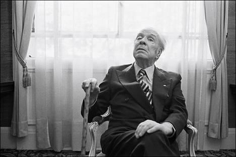 Jorge Luis Borges kuvattuna vuonna 1979.