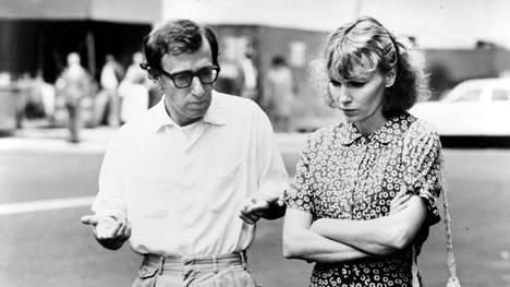 Woody Allen ja Mia Farrow olivat pariskunta vielä Hannah ja sisaret -elokuvan aikaan vuonna 1986.