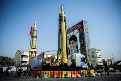 Teheranissa esiteltiin Iranin ohjuksia kaksi vuotta sitten.