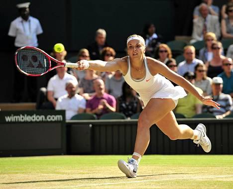 Sabine Lisicki voitti Puolan Agnieszka Radwanskan torstaina Wimbledonilla.