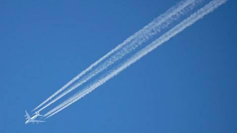 Heijastavia hiukkasia voisi levittää lentokoneista.