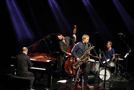 Saksofonisti Mikko Innasen kvartetissa pianoa soitti norjalainen Håvard Wiik, bassoa Eero Tikkanen ja rumpuja tanskalainen Peter Bruun.