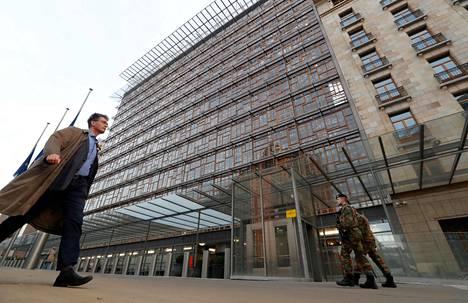 Europa-rakennus Brysselissä evakuoitiin keskiviikkona myrkyllisten höyryjen takia.