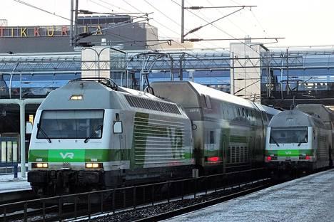 VR haluaa organisoida uudelleen kaukoliikenteen junapalvelut ja ravintolapalveluja junissa sekä asemilla tarjoavan Avecra-yhtiö.