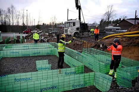 Rakennustyömaa Tuusulassa marraskuussa 2020.