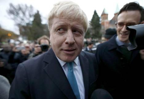 Konservatiivipoliitikko Boris Johnson ilmoitti sunnuntaina lähdöstään Britannian eroa EU:sta ajavaan leiriin. Pääminis teri David Cameron sai tiedon asiasta tekstiviestinä vain hieman aiemmin.